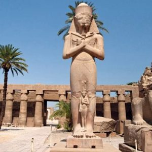 Visit ancient Egypt from Hurghada! A day trip to Luxor from the Hurghada area is a great day out. Private car to Luxor is the best way to travel to Luxor!